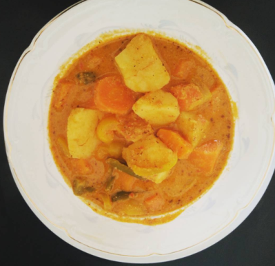 Cashew and carrot stew